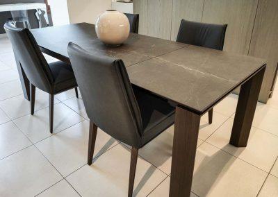 tavolo-omnia-e-sedia-oomy-grossano-arredamento